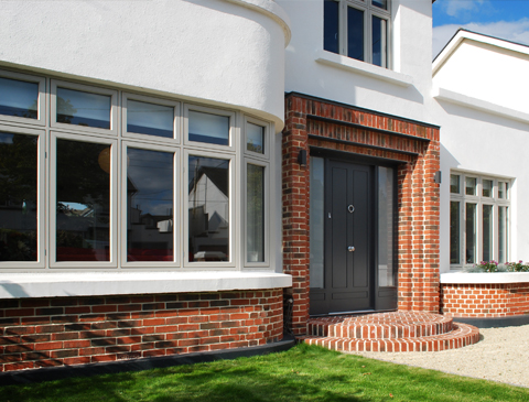 Renovation of an Art-Deco house in Terenure with a brick porch and bay window